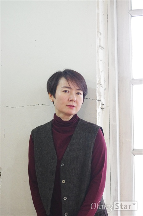 영화 <당신, 거기 있어줄래요>의 홍지영 감독.