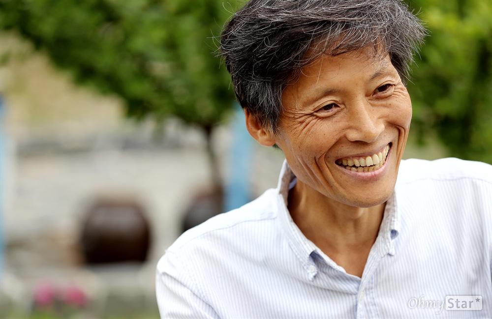 암투병 중인 이용마 MBC 해직기자 암투병 중인 이용마 MBC 해직기자가 1일 오후 전북 진안군 성수면 푸른건강촌에서 요양 중 오마이뉴스와 인터뷰를 하고 있다.
