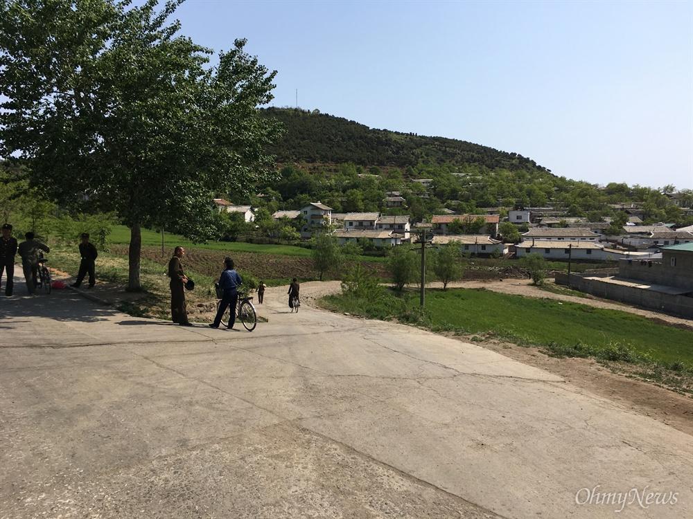 원산에서 금강산 가는 길에 있는 마을.