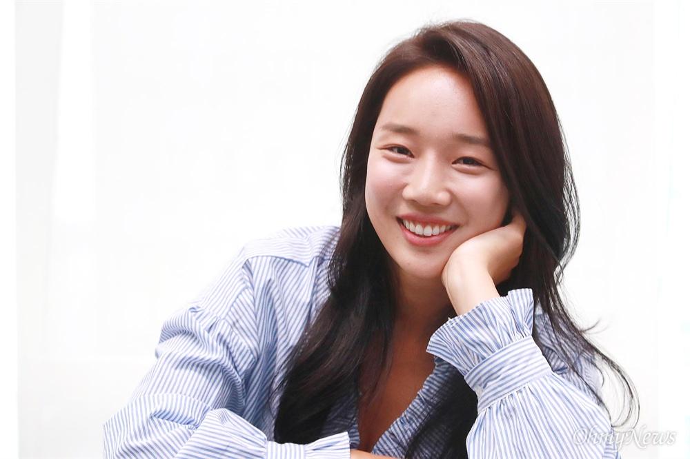 영화 <아이 캔 스피크> 공무원 아영 역을 맡은 배우 정연주