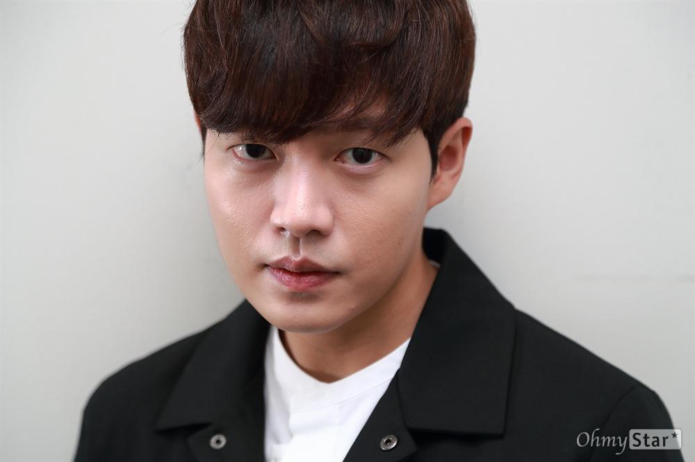JTBC 드라마 '청춘시대2' 임성민 역의 배우 손승원.