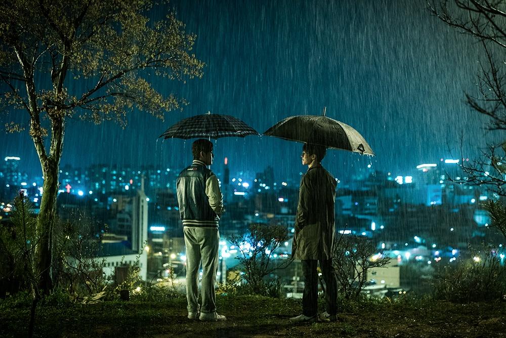 영화 <기억의 밤>의 한 장면.