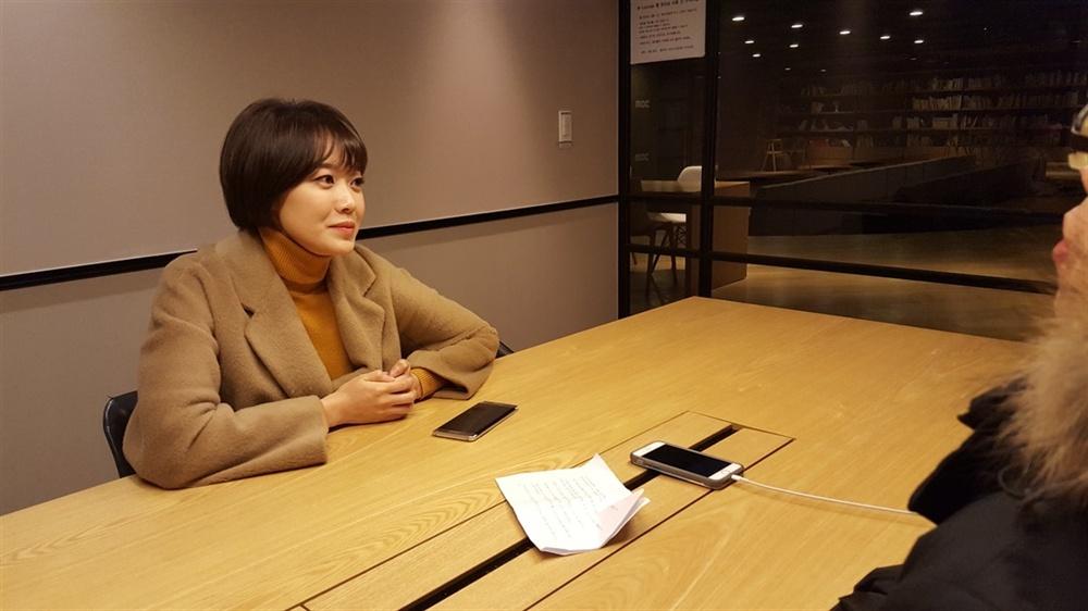 지난 27일 만난 문지애 전 MBC 아나운서가 인터뷰에 응하고 있는 모습.