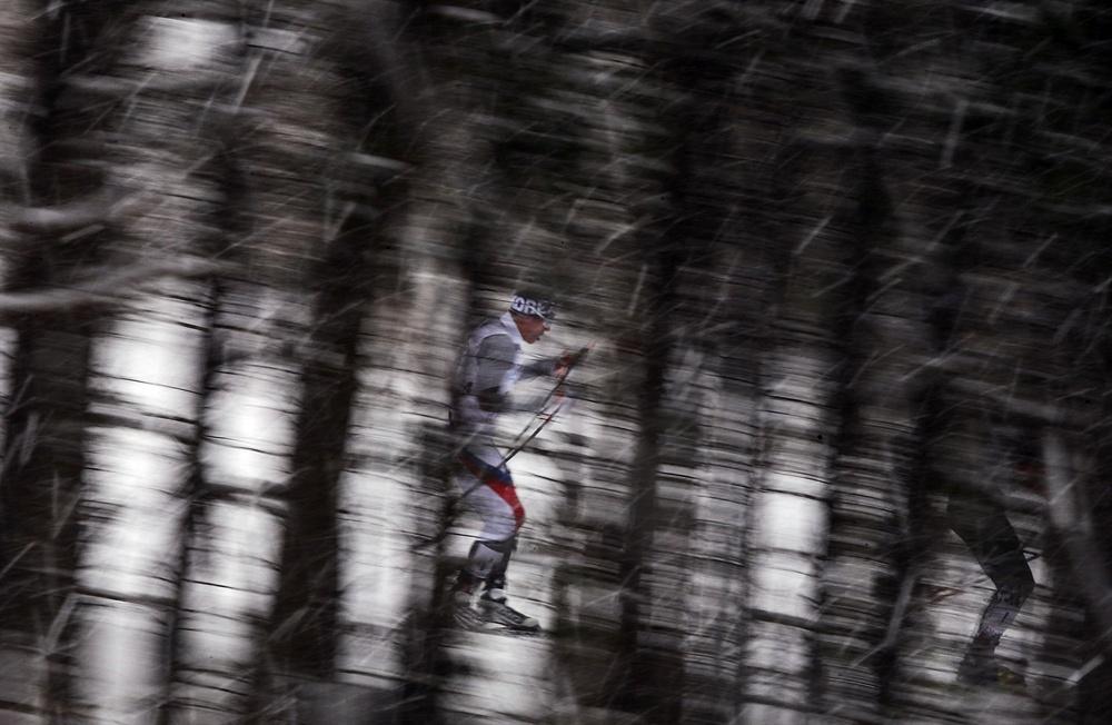 김마그너스, 울창한 숲 사이로 지난 2017년 2월 26일 일본 삿포로 시라하타야마 오픈 스타디움에서 열린 2017 삿포로 동계아시안게임 스키 크로스컨트리 남자 30km 매스스타트 경기에 출전한 김마그너스가 울창한 숲 사이로 질주하고 있다.