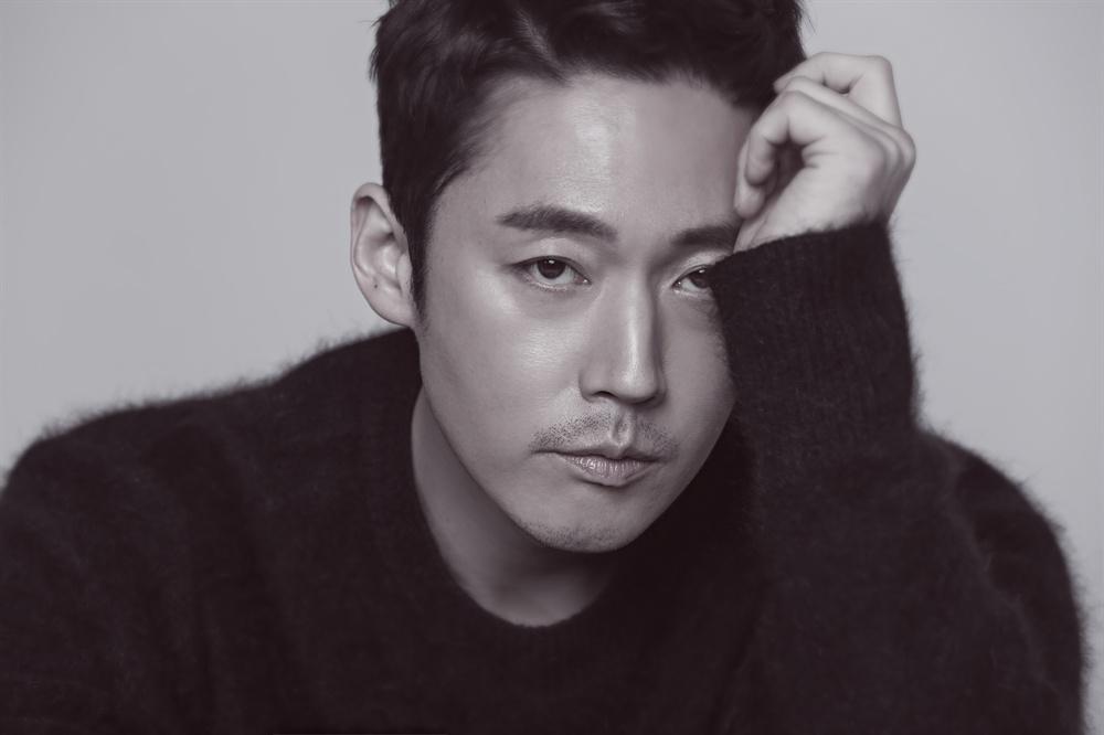 배우 장혁 2018년 2월 <돈꽃> 종영 인터뷰 제공 사진.