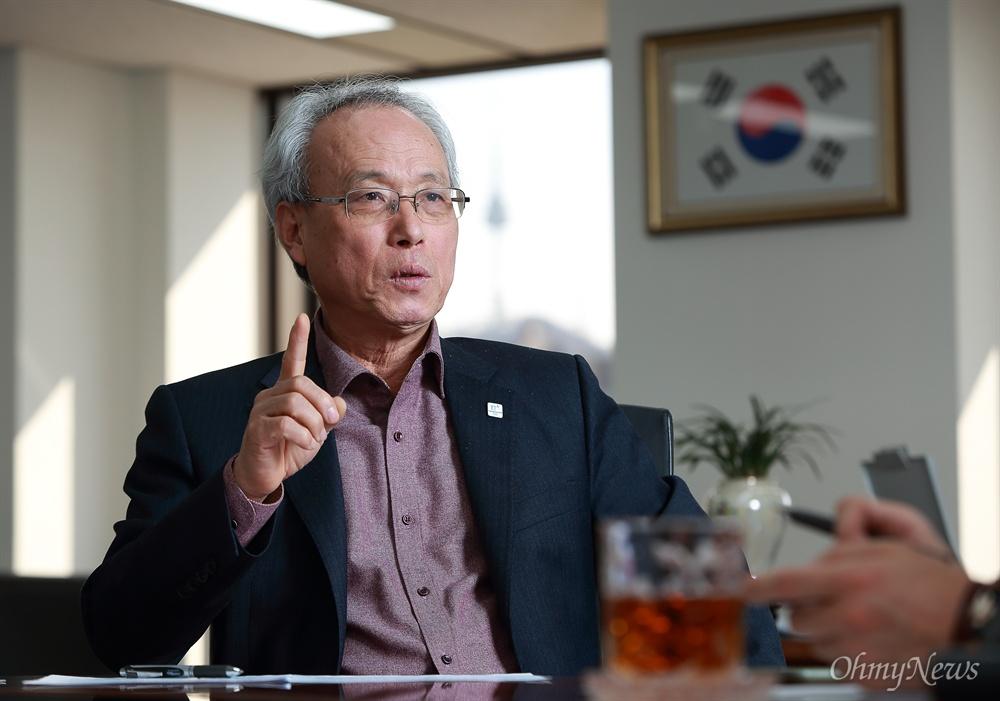 문성현 경제사회발전노사정위원회 위원장