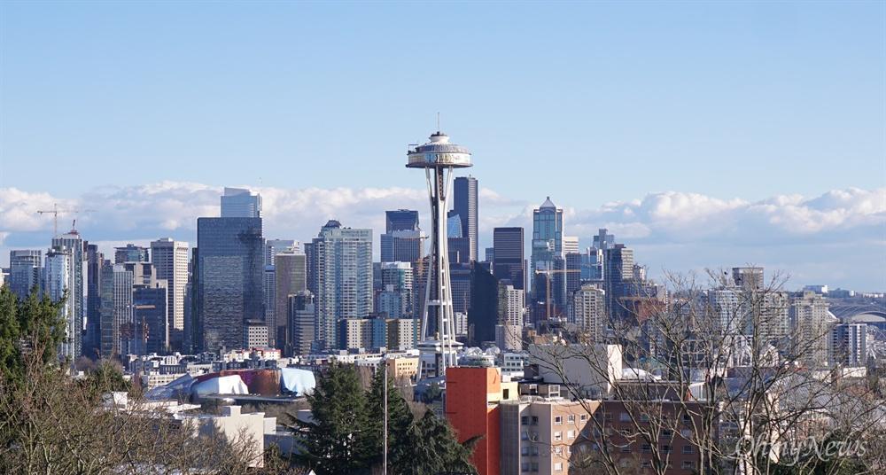 지난 2월 23일 미국 워싱턴 주 시애틀의 켈리 공원에서 촬영한 시애틀 도심 사진.