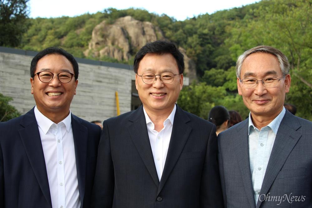 9월 1일 늦은 오후 김해 봉하마을을 찾은 더불어민주당 박광온 최고위원과 권민호(창원성산), 김기운(창원의창) 지역위원장.