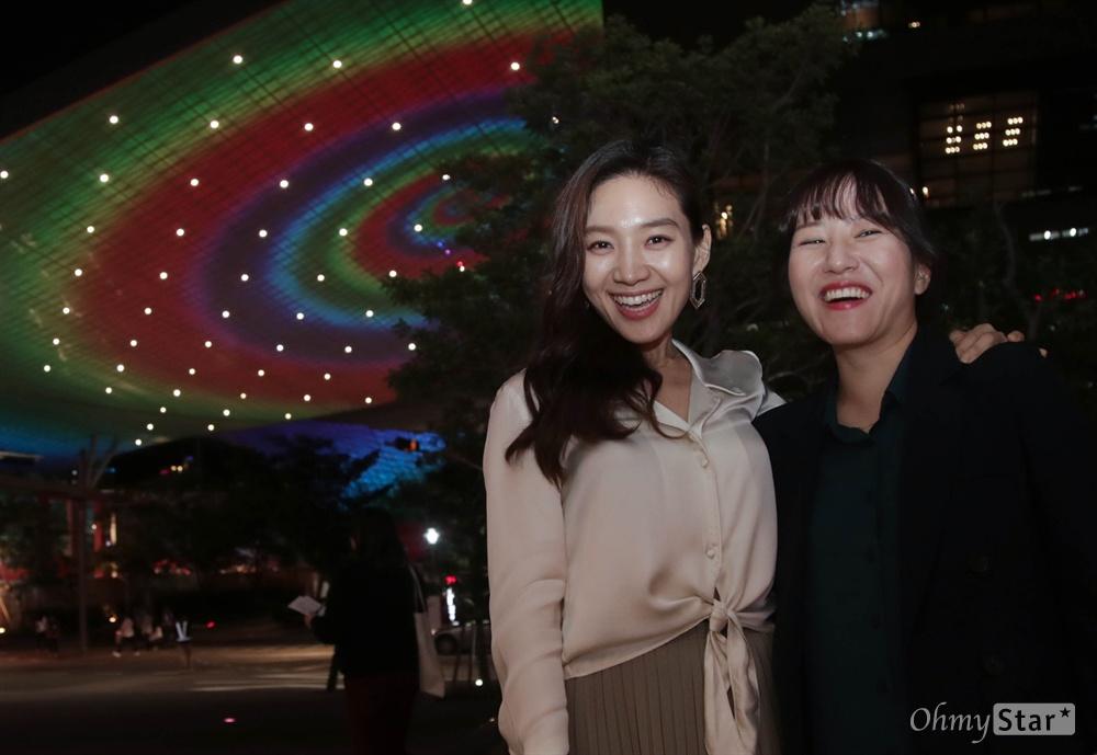제23회 부산국제영화제(BIFF) 뉴커런츠 부문에 초청된 영화<아워바디>를 연출한 한가람 감독과 배우 최희서.