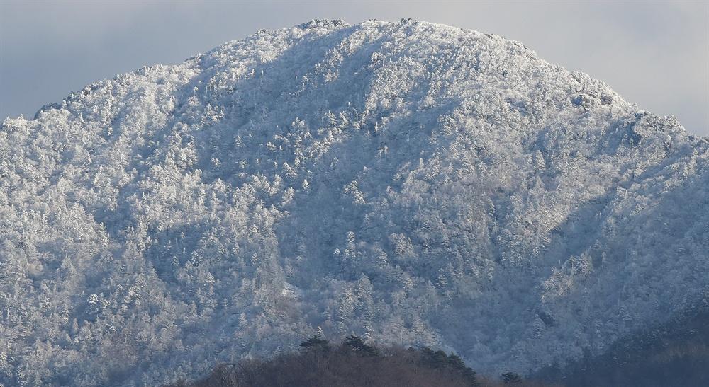 9일 눈 내린 지리산 천왕봉.