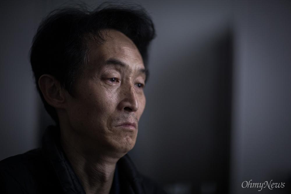 최근 컨베이어벨트 사고로 숨진 비정규직 노동자 김용균씨의 아버지 김해기씨.