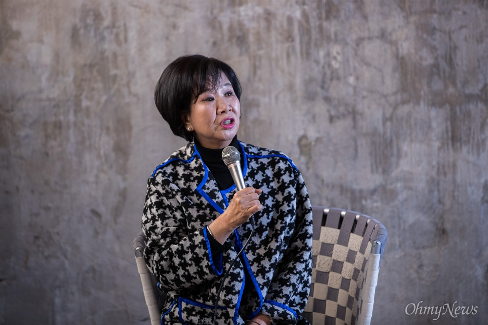 목포 원도심 투기의혹을 받고 있는 손혜원 무소속 의원이 23일 오후 전남 목포 역사문화거리 박물관 건립 희망지에서 기자회견을 하고 있다.