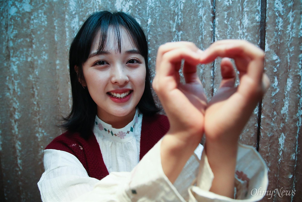 JTBC 드라마 <SKY 캐슬>에서 김혜나 역으로 인상적인 연기를 펼친 배우 김보라.
