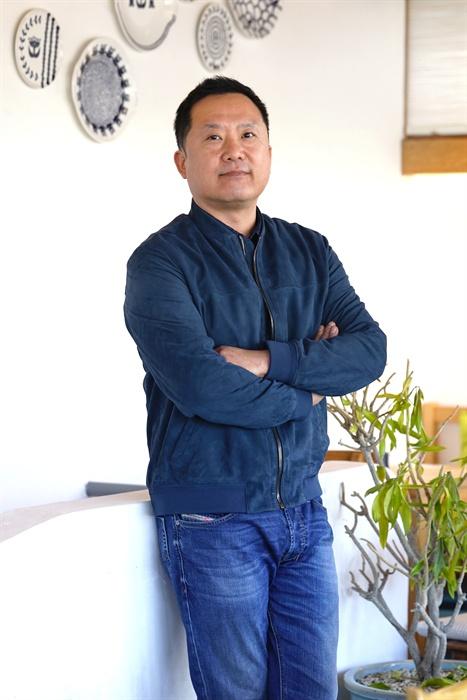 영화 <증인>을 연출한 이한 감독.