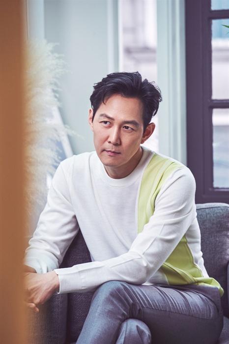 이정재 영화 <사바하>에 출연한 배우 이정재의 인터뷰가 지난 15일 서울 삼청동의 한 카페에서 열렸다.