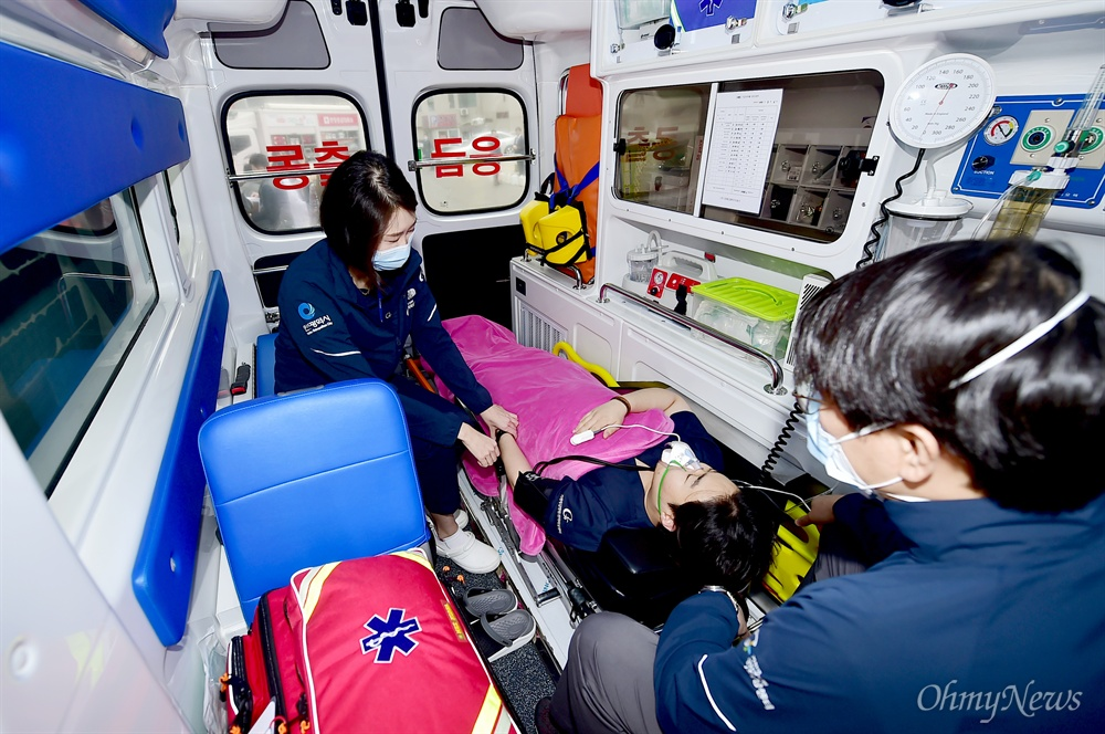 인천시의 닥터-카는 5분 이내 출동, 30분 이내 현장 도착을 목표로 올 연말까지 24시간 365일 운행할 계획이다.