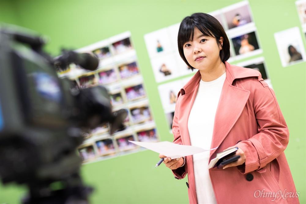 세월호 참사 당시부터 지속적으로 취재를 이어오고 있는  김진선 목포MBC 기자.