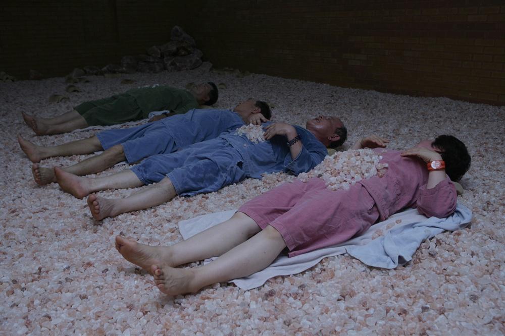 억불산에 있는 편백소금집. 소금을 활용한 다채로운 힐링공간으로 꾸며져 있어 몸의 피로도 말끔히 풀어준다.