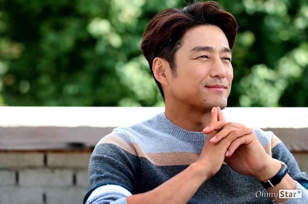 tvN 월화드라마 <60일, 지정생존자>의 배우 지진희
