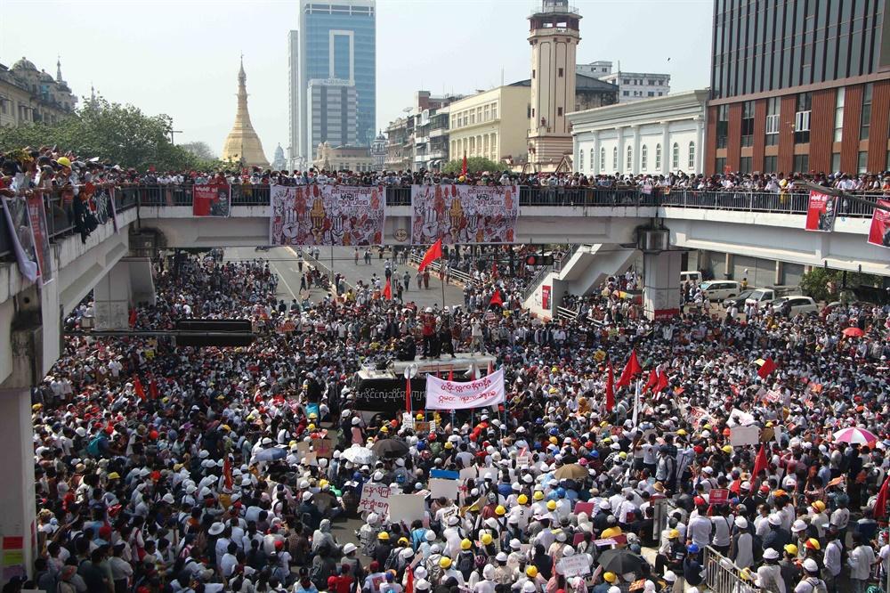 군부쿠데타에 반대하는 '시민 불복종 운동'이 연일 벌어지고 있는 미얀마의 2월 22일 모습. 현지 사진기자 모임인 'MPA(Myanmar Pressphoto Agency)'가 찍어 보내온 사진이다.