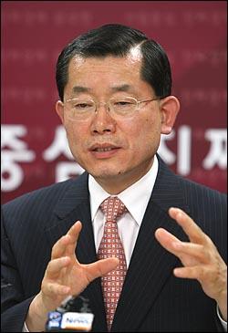 문국현 대선예비후보 기자간담회가 5일 오전 여의도 세실빌딩내 선거 캠프에서 열렸다.