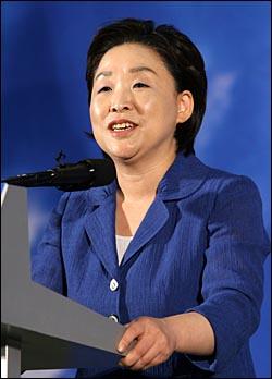 9일 오후 서울 올림픽공원 역도경기장에서 열린 민주노동당 대선후보 선출대회에서 심상정 후보가 연설을 하고 있다.