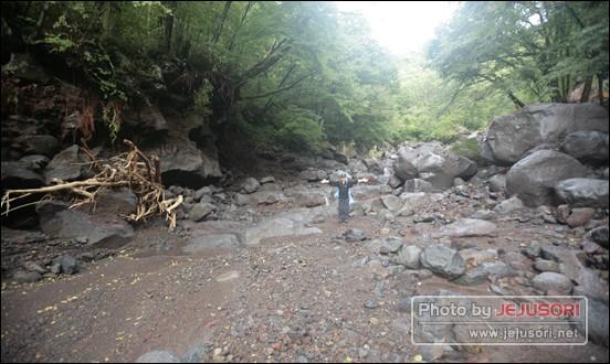 탐라계곡의 지형 자체가 바뀌어 버렸다. ⓒ 한라산국립공원관리사무소 제공