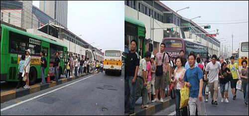(왼쪽) '짱박기 노선'을 피해 3·4차선(총 6차선)에 정차하는 버스에 승차하고자 좁은 경계석에서 기다리는 시민들. 당시 인도 옆 6차선엔 버스 5대가 '짱박기'하고 있었다. / (오른쪽) 4차선에 있는 마을버스(연두색 차량) 뒤편에 의정부 방면의 1-1번 시내버스가 오자 시민들이 뛰어가고 있다.