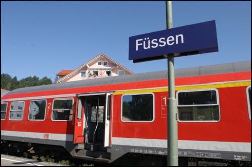 퓌센가는 기차  뮌헨에서 퓌센까지 가는기차. 약 2시간이 소요된다.