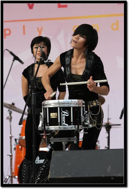 리더의 단독 드럼 사진 2  단독 드럼 연주 사진 2