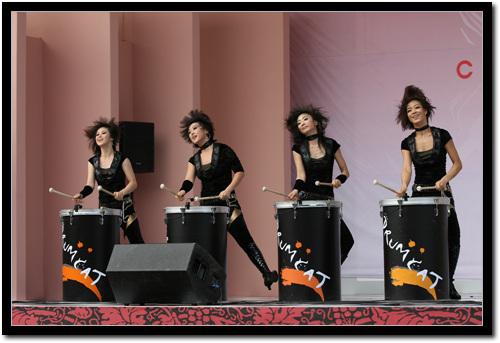 공연사진  율동과 신나는 드럼 연주