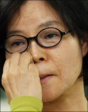 전태일 열사의 누이동생인 전순옥 참여성노동복지터 대표