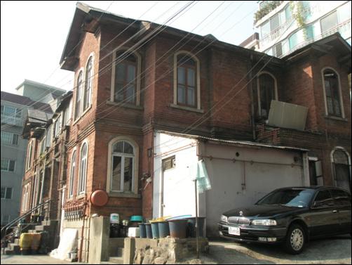 딜쿠샤. 테일러 가문의 한국 사랑이 묻어있는 곳이다. '딜쿠샤'는 힌두어로 '이상향'이란 뜻. 행촌동에 있다.