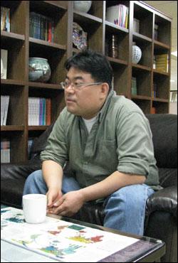 전성원  <황해문화> 편집장