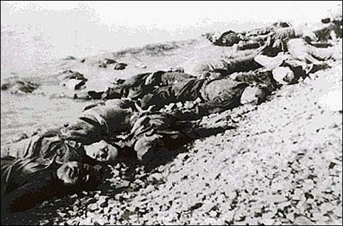 일본군은 학살의 흔적을 없애기 위해 적지 않은 시체를 양쯔강에 버렸다. 오늘날 불에 태워진 시체와 달리 양쯔강에 버려진 대부분의 시체는 그 자취조차 찾을 수 없다.