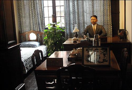 상해 임시정부청사에 마련된 김구 선생 집무실 전경