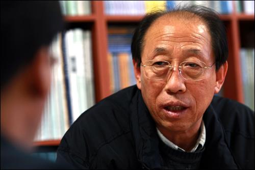 환경보건법 제정안을 발의한 민주노동당 단병호 의원