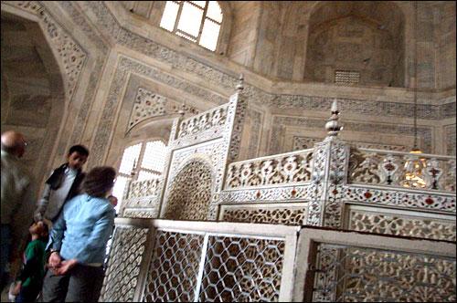 인도 타지마할묘 내부