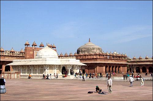 인도 아그라에 있는 파테푸르 시크리 성