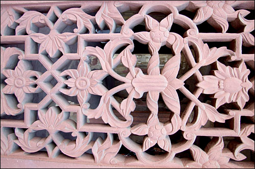 인도 아그라 성에 있는 돌로 된 문양