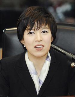 MBC 김은혜 기자가 12일 MBC에 사표를 내고 이명박 당선인과 함께 청와대행을 결정지었다.