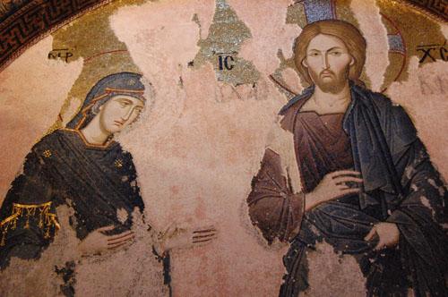 코라 성당의 성모와 예수 성모의 아리따운 모습과 늠름하고 다부지면서도 성스러운 표정, 그리고 포근한 피부색과 그에 대비되는 검은 옷이 대단한 조화를 이루고 있다. 성화 중에서 단연 으뜸으로 꼽는 데 손색이 없다.