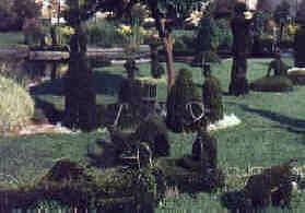 올드 대프 스쿨 파크(Old Deaf School Park)은 쇠라의 <그랑 자트 섬의 일요일 오후>를 조경으로 재현하였다.