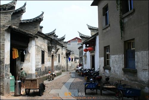 간저우에 있는 골목길 자오얼샹의 모습