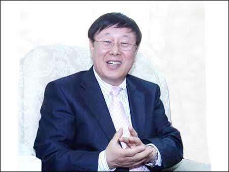 이상규 대담하는 ≪방언의 미학≫ 지은이 이상규 국립국어원장