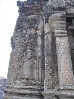 힌두교의 교리를 형상화한 부조