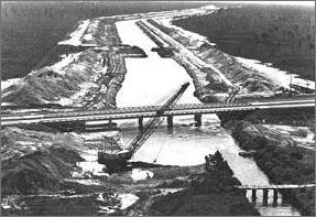 1935년 운하건설착공, 71년 중단, 91년 공식 취소되어 운하건설이 중단된 플로리다 관통바지운하