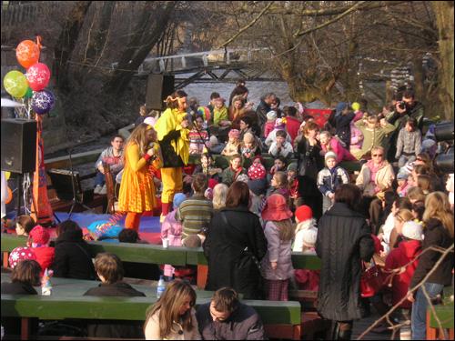 어린이들을 위한 여러 가지 행사.