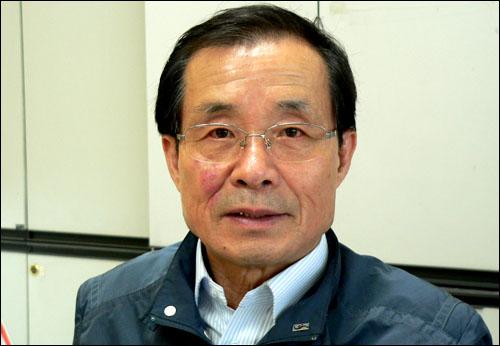"""민주노동당 홍희덕 18대 총선 당선자는 """"비정규직을 위해 일할 것""""이라도 다짐했다."""