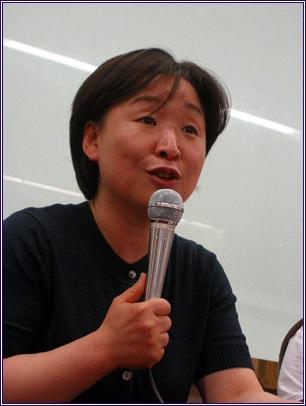 심상정 진보신당 공동대표는 삼성의 공과를 균형 있게 전달하는 것이 삼성과 국민에게 유익한 일이라고 역설했다.